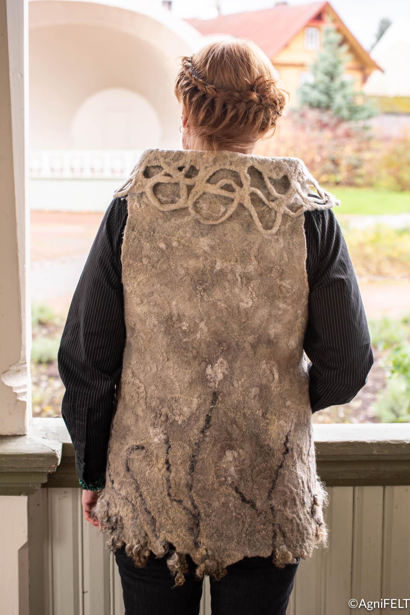 meriinovillast vest